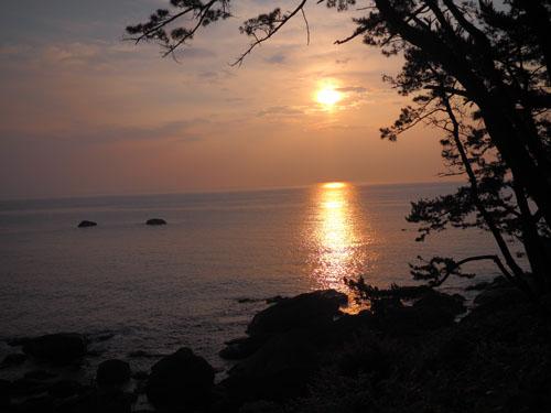 種差海岸の朝日